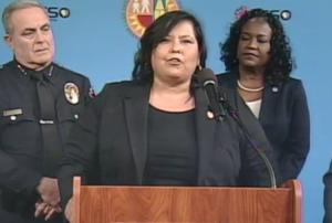 Mónica García durante la conferencia de prensa.