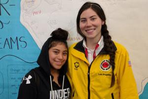 Maricela Merino y su mentora de City Year Los Angeles Carolina Martínez Orozco. (Cortesía: City year LA)