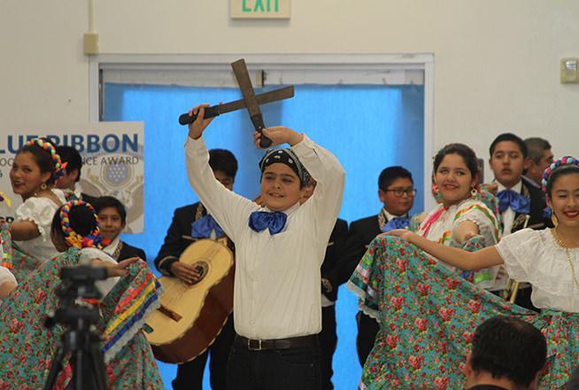 La comunidad escolar de KIPP LA Prep celebró ayer en su campus escolar de  Boyle Heights el reconocimiento 2016 National Blue Ribbon School Award. (Suministrada por KIPP LA)